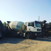 Mixer truck for transportation of concrete or mortar