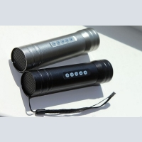 Bicycle flashlight with radio and MP3 player built-in dinamikom 3 Wat and handlebar